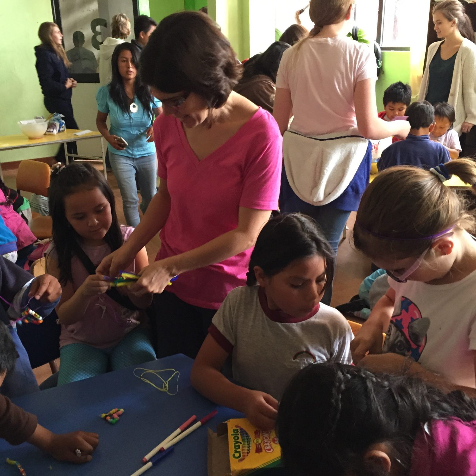 Carina-and-K-with-kids-doing-crafts